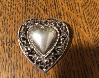 Sterling Sivler Filagree Framed Heart Pin