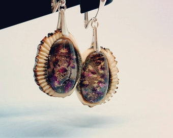 Antler botanic earrings- unique huntress jewelry- earrings- gift for her- huntress gift- handmade flowers jewelry- real flowers- purple gift