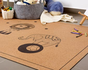 Baby play mat, nursery mat, baby shower gift, natural cork non-slip, Hand illustrated circus animals, eco friendly , 100/160 cm