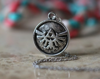 The Legend Of Zelda Jewelry Triforce Necklace Metal Pendant Gift Halloween Gift Christmas Gifts C338n_s