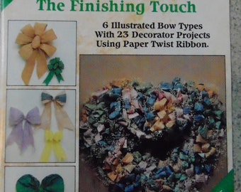 Paper Ribbon Bows - The finishing Touch by Sandy Dye #8382 Plaid