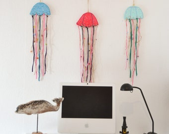 Móbiles de medusas Costurilla. Playa, maderas de deriva, móbil de medusas, para la playa,  maderas recicladas, mar