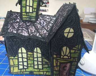 Freestanding Lace Haunted House