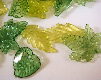 30 Acrylic Leaves Green Assorted Sizes and Shapes - 30 pc - A1034-ASG30