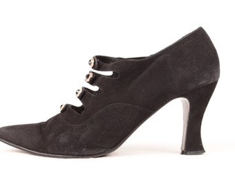 black suede witch shoes // rhinestone buttons // size 8.5