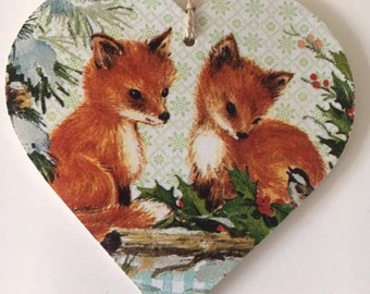 Large decoupaged wooden hanging heart ~ Country Foxes  ~ Countryside /Autumn/winter/Fox/Home Decor/Gift