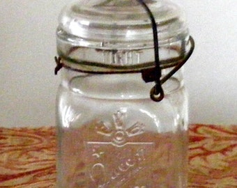 Vintage Queen Wide Mouth Mason Jar Pint size with Bale Wire Handle Lid