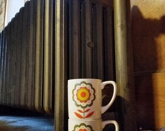 Vintage Mod Daisy Mugs