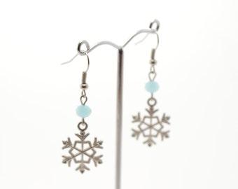 Light blue crystal snowflake earrings, snowflake earrings, crystal earrings, beaded earrings, handmade earrings, winter earrings, snowflake