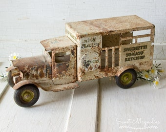 Antique Heinz Delivery Truck ~ Rusty Chipped Tattered ~ Farmhouse Country Chic Style Home Decor