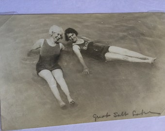Fantastic 1918 Bathing Beauties Post Card, never Used