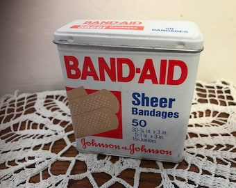 Vintage BAND-AID sheer bandages empty metal / tin box. Code 4624. #943