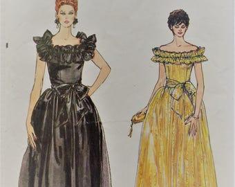 Vintage 1980's Very Easy Vogue sewing pattern 8679 - Misses' off shoulder dress and sash