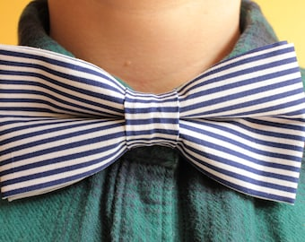 Navy blue and white stripes bowtie / bow tie - striped stripy - prom, formal