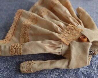 Handmade tea dyed Blythe dress, vintage style clothes for 1/6 dolls