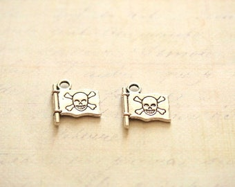 2 charms in silver 16x14mm pirate flag