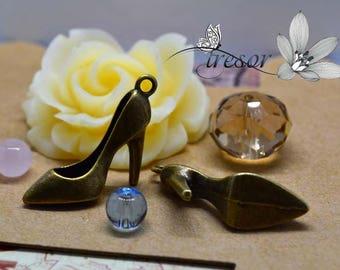 set of 6 QWP162, bronze pendant, high heel shoes