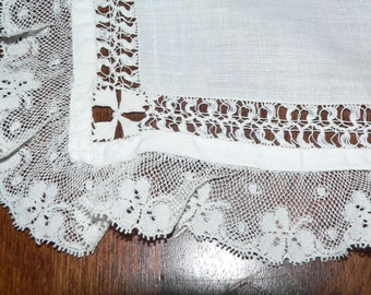 Antique White Hankie With Drawnwork and Lace Trim, Bridal Hanky with Lace