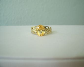 Vintage Natural Citrine Ring with Flowers in Yellow Gold