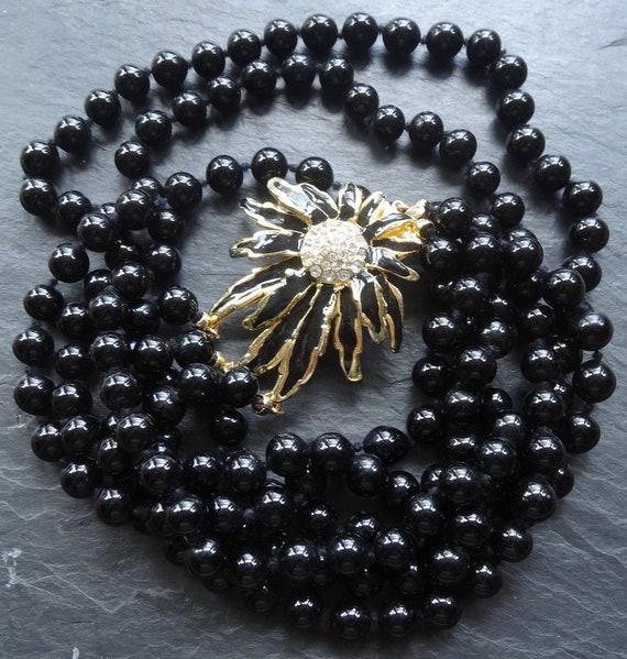 Beautiful vintage rhinestone enamel flower clasp 3 strand black glass beaded necklace