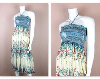 Jahrgang 1970 Sommer Kleid / trägerlosen Halfter / Smok / Blumen, Blumen / Strand-Cover Up / Größe kleine S, M / blau weiß / Resort Mode