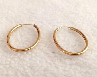 Vintage Gold Tone Oval Hoop Earrings Pierced  Costume Jewelry