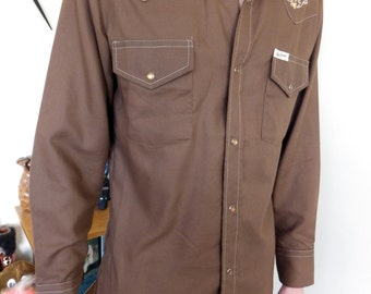 Vintage 60s / 70s men's cowboy long sleeve brown shirt - brownish pearlised press stud buttons - New Breed brand