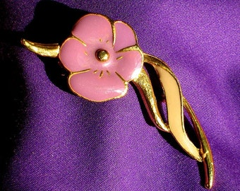 Pansy Flower Vintage Brooch Pin Lilac Purple Bloomer That 70's Show Modernist Bold Easter Cold Enamel Pretty Power Clip Scarf Hat Bag