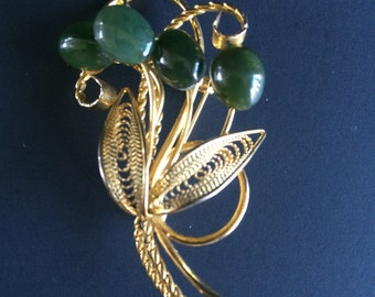 Swoboda Art Nouveau Jade Cabochon Flower Bouquet and Gold Tone Filligree Leaves Brooch 1960s