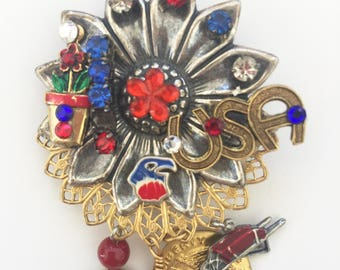 GARDENING - Red White and Blue - Patriotic USA - Pin - AMERICANA Brooch