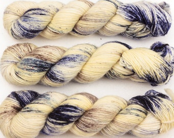 sea salt DK singles hand dyed yarn merino wool speckled cream blue beige 100g