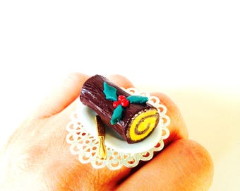 Ring, THE YULE LOG, miniature cake, pastry, polymer clay by The Sausage