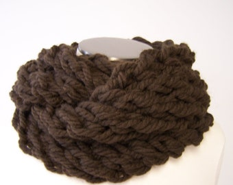 Chocolate Brown Super Chunky Knit Infinity Scarf, Chunky Knit Loop Scarf, Knit Eternity Scarf, Brown Knit Cowl, Brown Circle Scarf, Fall