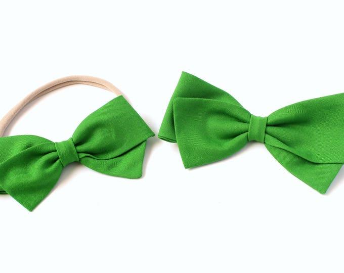 Green Hair Bow - Kelly Green - large Hair Bows - Hair Bows for Babies and Girls