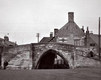 A4 framed print of Trinity Bridge, Crowland