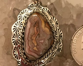 Laguna Lace Agate Pendant Necklace