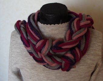 Burgundy knitting scarf
