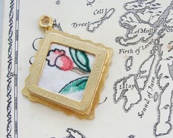Textile flower pendant