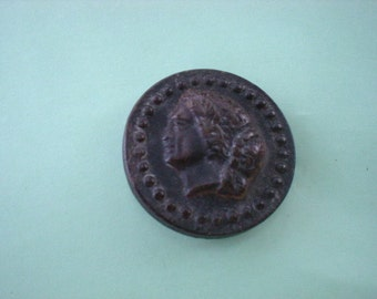 19th Century 1800s Horn Classic Head Relief Button