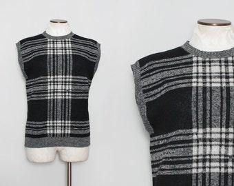 1970s Pendleton Wool Sweater Vest. Black and White Plaid Wool. Sleeveless Sweater. Pendleton Vest. Vintage Pendleton Sweater. Medium Large