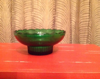 E O Brody Emerald Green Bowl with Scalloped Edges. Vintage 1970s