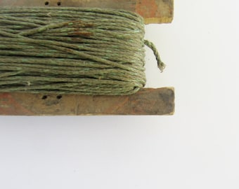 Free Shipping Rustic Fishing Line with Wood Holder Vintage