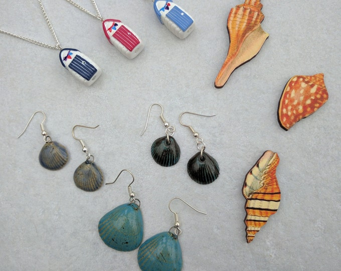 Seaside gift set, beach hut necklace, shell brooch, shell earrings, gift box