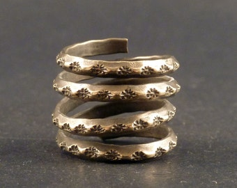 Hill Tribe old mixed silver ring, old Tribal silver ring, Chinese jewelry,Hill Tribe ring, old ethnic ring, Asian jewellery