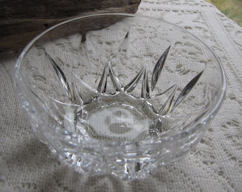 Small Crystal Bowls Set of Six (6) Dessert or Ice Cream Bowl Vintage Elegant Kitchens and Serving Ware