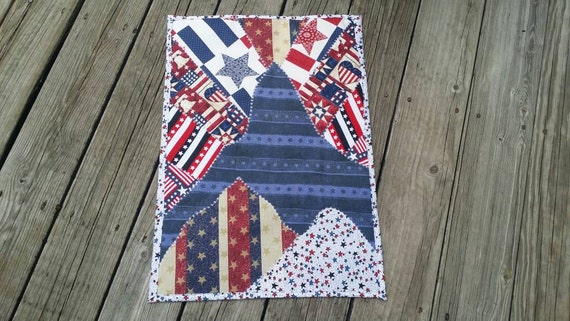 Patriotic Mountains Mini Quilt, Patriotic gift, Patriotic art, Mountain Wall Hanging, Veteran Gift, Landscape Mini Quilt, July Fourth Gift