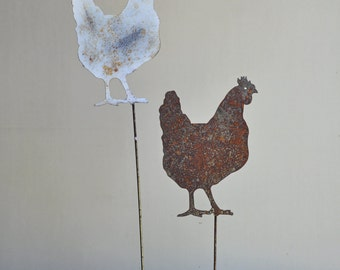 """11"""" x 7"""" metal Country Hen on a 24"""" stake"""