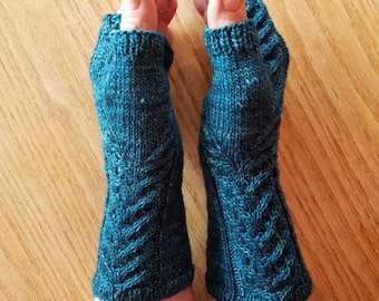 Staghorn Teal Fingerless Gloves