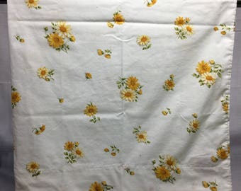 Vintage, Floral, retro, pillowcase with yellow,  ir gold flowers or dasisies, bedding, linens, pillowcase, flowers, Cannon, flowers
