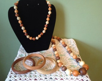 Vintage set of Taiwain Woodenbead necklaces and bracelets